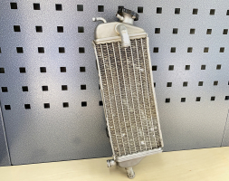 Right radiator with cap TM 2 stroke (repaired)